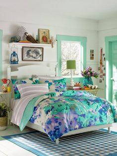 Mintgrün, weiß und blau wirken frisch und mädchenhaft