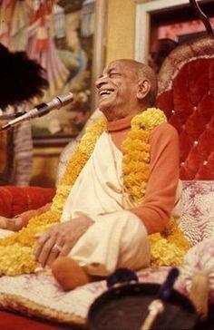 Tutte le glorie a Srila Prabhupada !