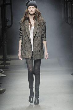 Alexander Wang Fall 2008 Ready-to-Wear Fashion Show - Vika K.