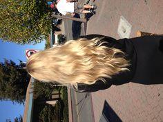 So jealous Light Blonde Hair, Honey Blonde Hair, Blonde Hair Looks, Hair Inspo, Hair Inspiration, Dyed Hair Pastel, Dye My Hair, Hair Highlights, Gorgeous Hair
