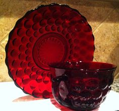 Depression Glass, in bubble pattern by Anchor Hocking Glass Corporation Cranberry Glass, Antique Glassware, Fenton Glass, Glass Dishes, Vintage Dishes, Carnival Glass, Colored Glass, Cup And Saucer, Glass