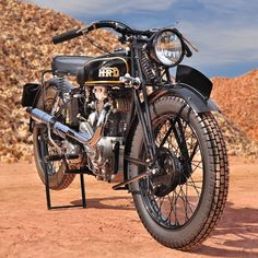 A brief history of Vincent motorcycles and the 1932 HRD Python Sports 500. (Story by Robert Smith, photos by Craig Patterson. Motorcycle Classics — March/April 2015)