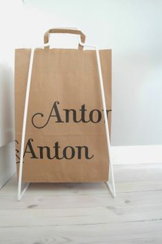 Sitruunahappoa: a metal holder for paperbags. This one is from the famous gourmet shop Anton & Anton in Helsinki, Finland with shops in three different locations.