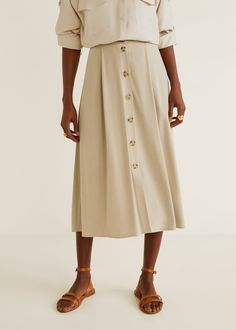 Midi design Straight design Modal and bamboo mix fabric Tortoiseshell effect buttons Button fastening on the front section Skirt Outfits, Cute Outfits, Pleated Skirt, Midi Skirt, Mango Outlet, Mango France, Spring Summer Trends, Sophisticated Style, Ideias Fashion