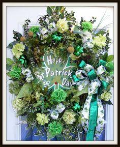 Wreaths: Decorative Door Wreaths, Luxury Christmas Wreaths - St. Patrick's Day Wreaths - Maplesville, AL