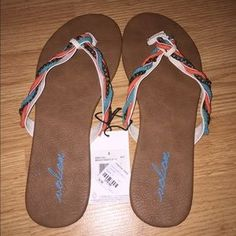 I just discovered this while shopping on Poshmark: New Volcom Beach Party Sandal Size 8. Check it out! Price: $26 Size: 8