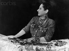 Power vrouw Helena Rubinstein – Queen of cosmetics Gracie Kelly, Cosmetic World, 20th Century Women, Elle Mexico, Grandmother Jewelry, Rich Image, Great Women, Eclectic Style, Royalty Free Photos