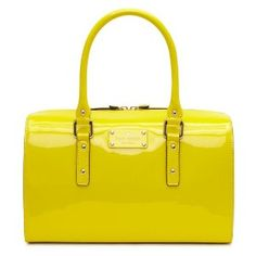 This Kate Spade purse is so simple, yet so fun! Reminds me of Blair Waldorf from Gossip Girl. (pic from Kaboodle site)