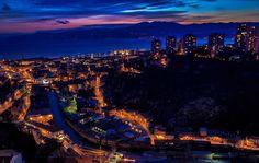 Rijeka (talijanski i mađarski: Fiume, njemački: Sankt Veit am Flaum, slovenski: Reka, čakavski: Rika, Reka) najveća je hrvatska luka, treći po veličini grad u Hrvatskoj. Skinite android aplikaciju
