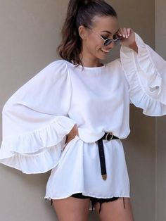 Cheap loose blouse, Buy Quality blouse fashion directly from China fashion blouses Suppliers: Women Autumn Summer Solid O-Neck Long Flare Sleeve Ladies Shirts Female Fashion Back Open Shirt Casual Loose Blouses Blouse Styles, Blouse Designs, Boho Outfits, Trendy Outfits, Ladies Day Dresses, Popular Outfits, Stylish Tops, Classy Dress, Pattern Fashion