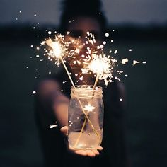 My 7 New Year's Resolutions for 2019 - Starting Today Fairy Light Photography, Tumblr Photography, Creative Photography, Photography Poses, Nature Photography, Aesthetic Iphone Wallpaper, Aesthetic Wallpapers, Wallpaper Backgrounds, Aesthetic Photo