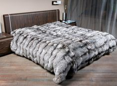 """""""I loooveee the fur blankets even though using any kind of fur is mean. I hope scientist can make synthetic fur as good as the real thing. Fur Decor, Diy Shoe Storage, Fur Bedding, Fur Accessories, Fur Blanket, Fur Throw, Soft Blankets, Bed Throws, Room Rugs"""