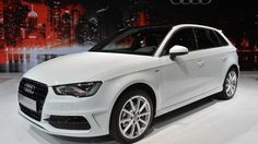 The 2016 Audi Sportback was presented at the 2015 NYIAS with TDI engine. The new Audi 2016 will be offered several diesel and petrol engines. Audi Rs5, Audi A3 Sportback, Audi A3 Price, Audi A3 2016, Red Audi, Diesel Cars, Car Magazine, Volkswagen Jetta, Latest Cars