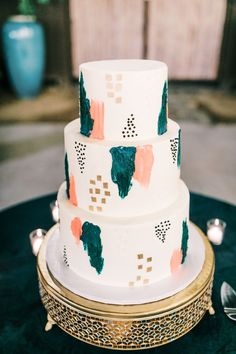 This Bohemian Desert Wedding in Palm Springs Featured Plenty of Art Deco Details Black Wedding Cakes, Fall Wedding Cakes, Wedding Cake Designs, Wedding Ideas, Wedding Shoot, Wedding Cake Centerpieces, Long Table Wedding, Fresh Flower Cake, Green Wedding Invitations