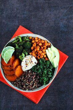 11 Quinoa Bowls That Make It Easy (And Delicious!) To Eat Clean - mindbodygreen Vegan Vegetarian, Vegetarian Recipes, Healthy Recipes, Vegan Food, Healthy Lunches, Healthy Foods, Buddha Bowl Vegan, Veggie Quinoa Bowl, Vegetable Quinoa