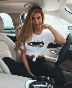 Cute Instagram Pictures, Instagram Pose, Insta Pictures, Disney Instagram, Photos Tumblr, Tumblr Selfies, Photography Poses Women, Fashion Photography, Poses Pour Photoshoot