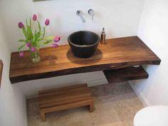 Od 30 cm uz zid drvena ploha do wca