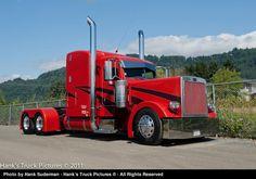 http://www.hankstruckpictures.com/pix/trucks/bc_big_rig_show/2011/07-09/20110709_dsc_6442.jpg