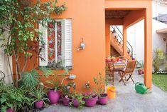 Pergola To House Attachment Pergola Patio, Pergola Plans, Pergola Kits, Backyard, Exterior Colors, Exterior Design, Small Country Homes, Pintura Exterior, Tuscan Style Homes