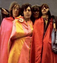 John Lennon, Paul McCartney, George Harrison, and Richard Starkey The Beatles 1960, Foto Beatles, Beatles Funny, Les Beatles, Beatles Photos, John Lennon Beatles, Beatles Guitar, Beatles Art, The Quarrymen