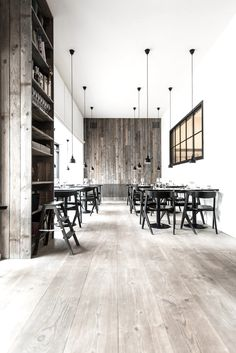 ideas for design restaurant minimalist Bar Interior, Restaurant Interior Design, Modern Interior Design, Interior Architecture, Interior And Exterior, Restaurant Interiors, Vintage Architecture, Design Interiors, Bistro Design