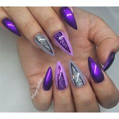 21 Easy and Cute Glitter Nail Designs > CherryCherryBeauty.com