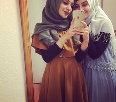 Image uploaded by zara meryem. Find images and videos about fashion, girls and friend on We Heart It - the app to get lost in what you love. Muslim Fashion, Hijab Fashion, Girl Fashion, Friends Fashion, Hijabi Girl, Girl Hijab, Stylish Girl Images, Stylish Girl Pic, Beautiful Girl Image