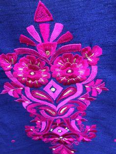Embroidery Designs, Symbols, Peace, Logos, Art, Bruges Lace, Icons, Kunst, Logo