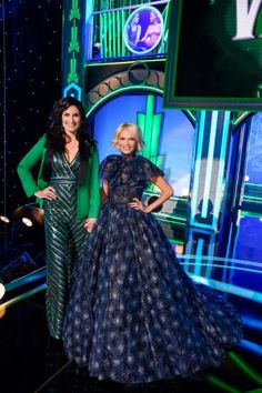 First Look at Idina Menzel, Kristin Chenoweth, Ariana Grande, and More in A Very Wicked Halloween Broadway Wicked, Wicked Musical, Broadway Theatre, Elphaba And Glinda, Idina Menzel, Queen Elsa, Mean Girls, Celebs, Celebrities