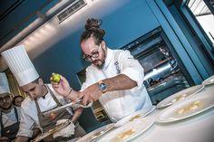 Marcello Trentini, eclettica stella Michelin del Magorabin di Torino, ci racconta i suoi posti del cuore: i 5 indirizzi di Torino, tra pizzerie, ristoranti e vinerie, che Marcello raggiunge quando può. >>