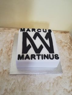 Marcus & Martinus ❤️ Fondant birthday cake! Cake Decorating Techniques, Martini, Event Planning, Fondant, Ale, Birthday Cakes, Sweet, How To Make, Harry Potter