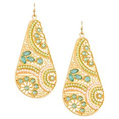 Pair of beaded earrings with gold-plating.  Product: 1 Pair of earringsConstruction Material: Alloy metal, gold-plati...
