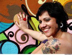 """Dia 15, às 22h, o projeto Cedo & Sentado, no Studio SP, apresenta a cantora Marcela Bellas. A entrada é gratuita. Sobre a cantora Leve e cotidiano. É esse o som de Marcela Bellas, cantora e compositora baiana, que lança em 2009 seu álbum de estréia: Será que caetano vai gostar? Produção independente, o disco...<br /><a class=""""more-link"""" href=""""https://catracalivre.com.br/geral/agenda/barato/marcela-bellas-no-cedo-e-sentado-do-studio-sp/"""">Continue lendo »</a>"""