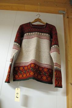 To kilder til hvor du kan finne mønster ligger i denne mappen. Folk Costume, Costumes, Textiles Techniques, How To Start Knitting, Crochet Clothes, Hand Knitting, Knitwear, Knit Crochet, Knitting Patterns