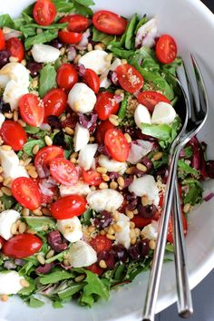 Couscous salad with cherry tomatoes and mozzarella. An easy, colorful spring salad.