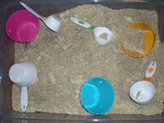 Need a change of pace from regular old sand in your sensory tub? I have just the thing for you: coffee sand! It is a soft, fluffy alternativ. Sensory Tubs, Sensory Boxes, Sensory Activities, Craft Activities For Kids, Sensory Play, Projects For Kids, Crafts For Kids, Educational Activities, Uses For Coffee Grounds