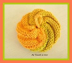play my tawashi knit to replace the sponges! Dishcloth Knitting Patterns, Crochet Patterns, Diy Crochet, Crochet Hats, Leather Apron, Make Up Remover, Practical Gifts, Hot Pads, Special Gifts