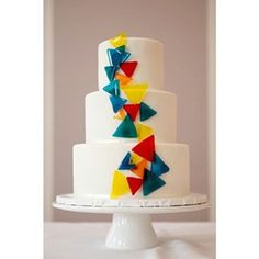 This ode to the triangle. Large Wedding Cakes, Creative Wedding Cakes, Beautiful Wedding Cakes, Wedding Cake Designs, Wedding Cake Toppers, Beautiful Cakes, Amazing Cakes, Great Gatsby Cake, Cake Decorating Designs