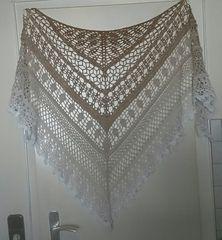Ravelry: Edlothia pattern by Jasmin Räsänen Crochet Bolero, Poncho Au Crochet, Crochet Diy, Crochet Shawls And Wraps, Crochet Woman, Crochet Scarves, Lace Knitting, Crochet Clothes, Crochet Crafts