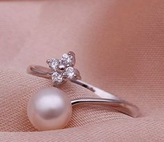 i want a pearl wedding ring. Pearl Jewelry, Gold Jewelry, Jewelry Rings, Jewelery, Jewelry Accessories, Jewelry Design, Pearl Bracelets, Pearl Rings, Pearl Necklaces