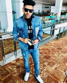 Looking for the Guru Randhawa Wallpaper? So, Here is Collection of Punjabi Singer Guru Randhawa Wallpapers & images With hair Style Dear Crush, My Crush, Guru Pics, My Lynn, Jassi Gill, Love Guru, Music Icon, Pop Singers, Bollywood Celebrities