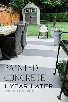 Do you have a concrete slab as an outdoor patio? Did you know you can paint it? I painted mine last year and it still looks amazing! I also painted brick pavers at my front entrance! Concrete Patios, Patio Slabs, Patio Flooring, Brick Pavers, Painting Concrete Porch, Painted Concrete Floors, Concrete Garden, Budget Patio, Diy Patio