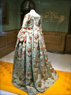 A mid-18th century back-sack gown