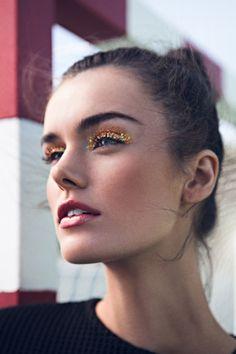 Brightness eyes #maquillaje #makeup #glitter #purpurina