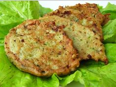 Cuketovo zemiakové placky Slovak Recipes, Russian Recipes, Salmon Burgers, Vegetable Recipes, Cauliflower, Zucchini, Recipies, Good Food, Vegetarian
