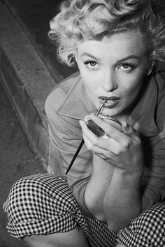 """vintagegal: """" Marilyn Monroe photographed by Ernest Bachrach, 1952 """""""