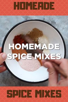 These homemade Seasoning Mix recipes can save you a TON of money. Especially if you have a fairly well stocked spice cabinet. You also get to avoid all the fillers and preservative often found in store-bought spice blends. Homemade Spice Blends, Homemade Spices, Homemade Baby Foods, Spice Mixes, Spice Rub, Homemade Crafts, Homemade Seasoning Salt, Seasoning Mixes, Best Chili Seasoning Recipe