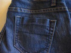 Re-dyeing jeans to make them dark again