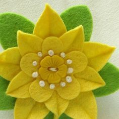Sunny Yellow Felt Flower Pin with Yellow Vintage Flower Button Handmade Boutonniere is part of Felt crafts Vintage - dorothydesigns ref si shop Button Flowers, Felt Flowers, Diy Flowers, Vintage Flowers, Fabric Flowers, Paper Flowers, Felt Diy, Felt Crafts, Felt Leaves
