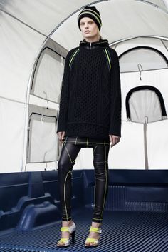Sfilata T by Alexander Wang New York -  Collezioni Autunno Inverno 2014-15 - Vogue